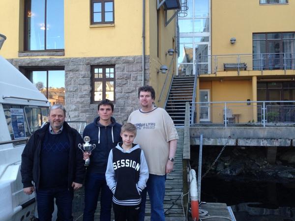 Simonas, Thorstein og Håkon. Marius vant ratingklassen under 1000.