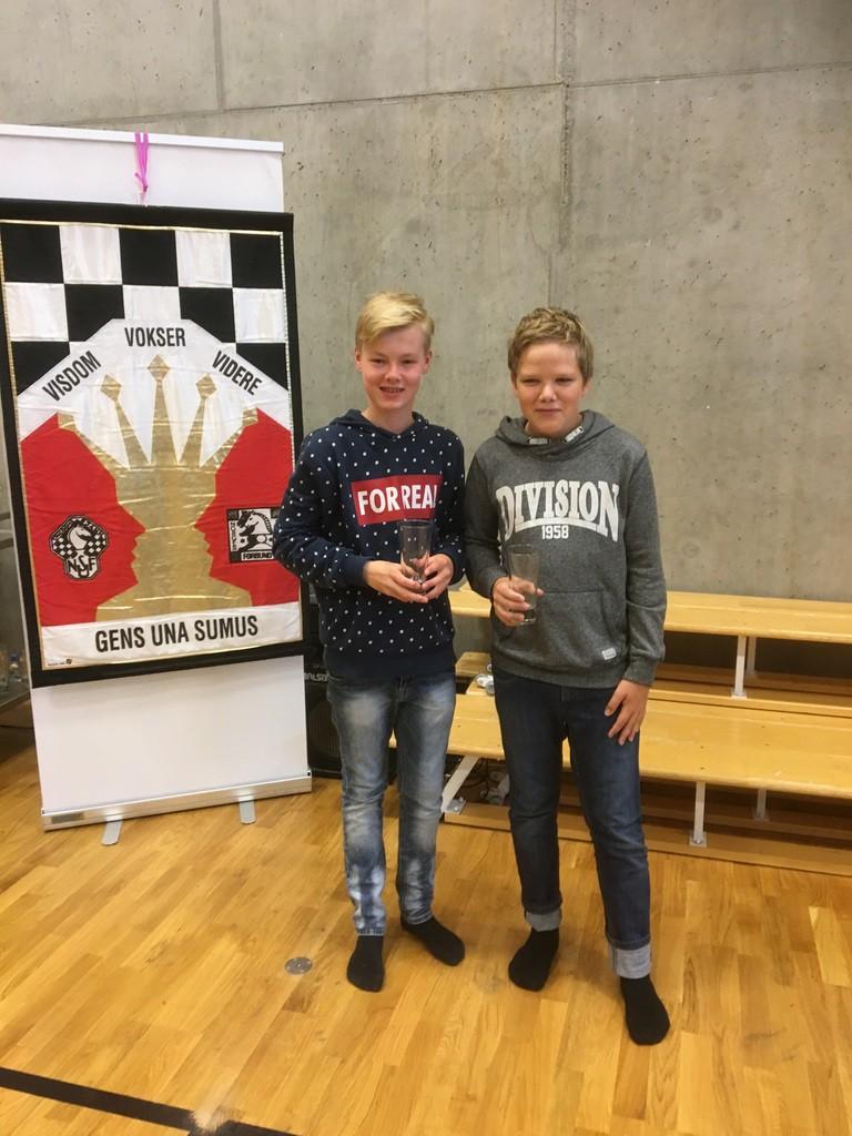 Andreas og Niklas som spilte i Lilleputt. Andreas hadde en flott turnering og viser stor framgang!